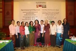 Solidarity photo among women leader at national and sub-national level.
